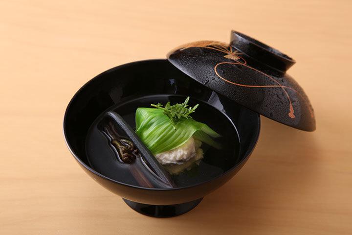 日本料理 四四A2 (ニホンリョウリヨシアツ)の写真