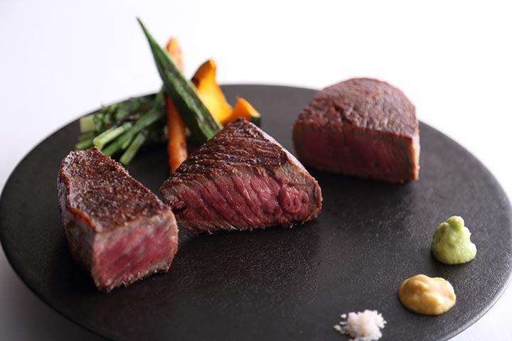 Steak Dining Vitis (ステーキ ダイニング ヴィティス)